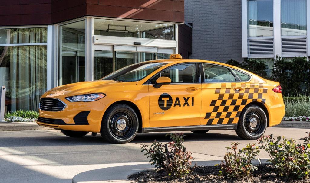 Почему такси жёлтого цвета